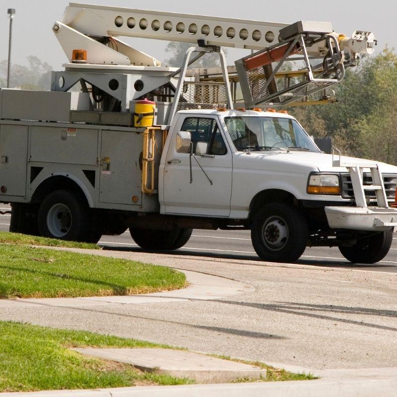 Electrical boom truck